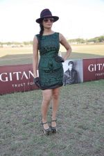 Sofia Hayat at Gitanjali Polo Match and Nachiket Barve fashion show in RWITC, Mumbai on 30th March 2013 (58).JPG