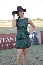 Sofia Hayat at Gitanjali Polo Match and Nachiket Barve fashion show in RWITC, Mumbai on 30th March 2013 (61).JPG