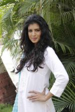 Tina Desae on location of film Dussehra in Pune on 1st April 2013 (26).jpg