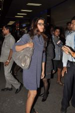 Mugdha Godse leave for TOIFA DAY 2 in Mumbai on 2nd April 2013 (24).JPG