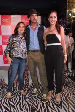 Zayed Khan, Farah Ali Khan at Amessha Patel_s production house launches new film ventures in Mumbai on 2nd April 2013 (125).JPG