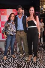 Zayed Khan, Farah Ali Khan at Amessha Patel_s production house launches new film ventures in Mumbai on 2nd April 2013 (132).JPG