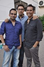 Krishna DK, Dinesh Vijan, Raj Nidimoru at Go Goa Gone promotions in Mumbai on 5th April 2013 (4).JPG