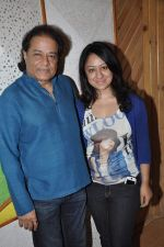 Anup Jalota, Madhuri Pandey records for Sumeet Tapoo_s album Destiny in Mumbai on 8th April 2013 (16).JPG