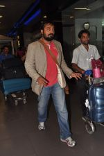 Anurag Kashyap snapped at airport in Mumbai on 16th April 2013 (51).JPG