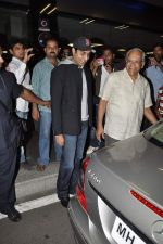 Abhishek Bachchan return from NY in Mumbai Airport on 23rd April 2013 (19).JPG