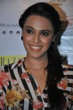 Swara Bhaskar at Shivan Naresh event in F Bar, Mumbai on 23rd April 2013 (6).JPG