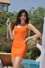 Sonalli Sehgall at Sachin Joshi_s energy drink shoot in Malad, Mumbai on 24th April 2013 (38).JPG