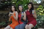 Sunny leone, Archana Vijaya, Sonalli Sehgall at Sachin Joshi_s energy drink shoot in Malad, Mumbai on 24th April 2013 (46).JPG