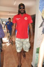 Chris Gayle spend time with NGO kids in Worli, Mumbai on 26th April 2013 (1).JPG