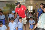 Chris Gayle spend time with NGO kids in Worli, Mumbai on 26th April 2013 (28).JPG