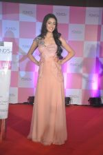 Miss India Navneet Kaur Dhillon unveil POnds BB+ cream in Powai, Mumbai on 26th April 2013 (17).JPG