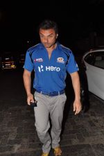Sohail Khan snapped outside Olive in Mumbai on 30th April 2013 (67).JPG