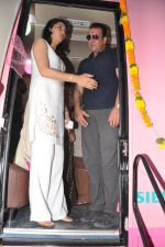 Sanjay Dutt & Priya Dutt Memorial Donate a Mobile Mamography Unit for good cause in Bandra, Mumbai on 5th May 2013 (36).JPG