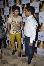 Aditya Singh Rajput at sheesha lounge showman group bash in Mumbai on 6th May 2013 (42).JPG