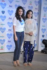 Shraddha Kapoor with mom at P&G thank you mom event in Bandra, Mumbai on 8th May 2013 (20).JPG