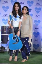Shraddha Kapoor with mom at P&G thank you mom event in Bandra, Mumbai on 8th May 2013 (40).JPG
