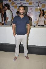 Abhishek Kapoor at Kai po che DVD launch in Infinity Mall, Mumbai on 10th May 2013 (84).JPG