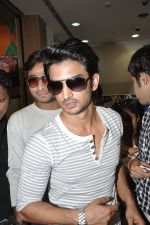 Sushant Singh Rajput at Kai po che DVD launch in Infinity Mall, Mumbai on 10th May 2013 (55).JPG