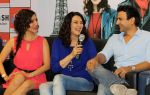 Sophie Choudry, Preity Zinta, Rhehan Malliek at Ishq in Paris promotions in Infinity Mall, Mumbai on 17th May 2013 (74).JPG