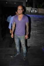 Aalim Hakim at Ashiesh Roy_s Birthday Party in Mumbai on 18th May 2013.JPG