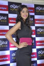 Navneet Kaur at Reliance Digital store in Prabhadevi, Mumbai on 23rd May 2013 (11).JPG