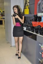 Navneet Kaur at Reliance Digital store in Prabhadevi, Mumbai on 23rd May 2013 (16).JPG