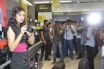 Navneet Kaur at Reliance Digital store in Prabhadevi, Mumbai on 23rd May 2013 (19).JPG
