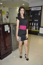 Navneet Kaur at Reliance Digital store in Prabhadevi, Mumbai on 23rd May 2013 (3).JPG