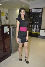 Navneet Kaur at Reliance Digital store in Prabhadevi, Mumbai on 23rd May 2013 (4).JPG