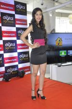Navneet Kaur at Reliance Digital store in Prabhadevi, Mumbai on 23rd May 2013 (9).JPG