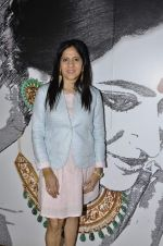 Priyanka Thakur at Charity auction of paintings made by Akanksha NGO kids in Gaja Showroom, Mumbai on 23rd May 2013 (23).JPG