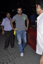 Saif Ali Khan at Kunal Khemu_s Birthday bash in Khar, Mumbai on 24th May 2013 (27).JPG