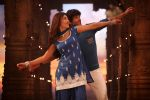 Girish Kumar, Shruti Haasan in the still from movie Ramaiya Vastavaiya (109).JPG