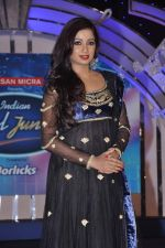 Shreya Ghoshal at Junior Indian idol press meet in Grand Hyatt, Mumbai on 28th May 2013 (79).JPG