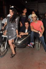 Varun Sharma, Pulkit Samrat, Ali Fazal, Manjot Singh, Richa Chadda at Fukrey film bash in Grant Road, Mumbai on 31st May 2013 (53).JPG