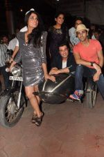 Varun Sharma, Pulkit Samrat, Ali Fazal, Manjot Singh, Richa Chadda at Fukrey film bash in Grant Road, Mumbai on 31st May 2013 (54).JPG
