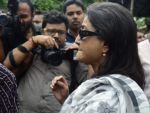 aparna sen at Rituparno Ghosh funeral in Kolkatta on 30th May 2013.jpg