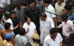 at Rituparno Ghosh funeral in Kolkatta on 30th May 2013 (12).jpg
