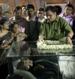 at Rituparno Ghosh funeral in Kolkatta on 30th May 2013 (15).jpg