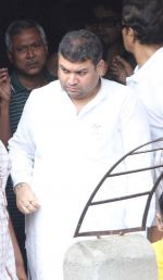 at Rituparno Ghosh funeral in Kolkatta on 30th May 2013 (7).jpg