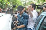 Suraj Pancholi at Jiah Khan_s Final journey in Juhu, Mumbai on 5th June 2013 (102).JPG