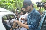 Suraj Pancholi at Jiah Khan_s Final journey in Juhu, Mumbai on 5th June 2013 (103).JPG