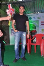 Vishal Malhotra at Sahakari Bhandar go green initiative in Dadar, Mumbai on 5th June 2013 (17).JPG