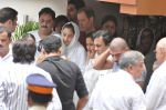 at Jiah Khan_s Final journey in Juhu, Mumbai on 5th June 2013 (60).JPG