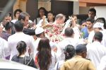 at Jiah Khan_s Final journey in Juhu, Mumbai on 5th June 2013 (68).JPG