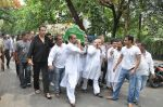 at Jiah Khan_s Final journey in Juhu, Mumbai on 5th June 2013 (76).JPG