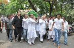 at Jiah Khan_s Final journey in Juhu, Mumbai on 5th June 2013 (78).JPG