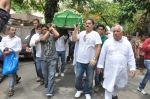 at Jiah Khan_s Final journey in Juhu, Mumbai on 5th June 2013 (81).JPG