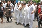 at Jiah Khan_s Final journey in Juhu, Mumbai on 5th June 2013 (86).JPG